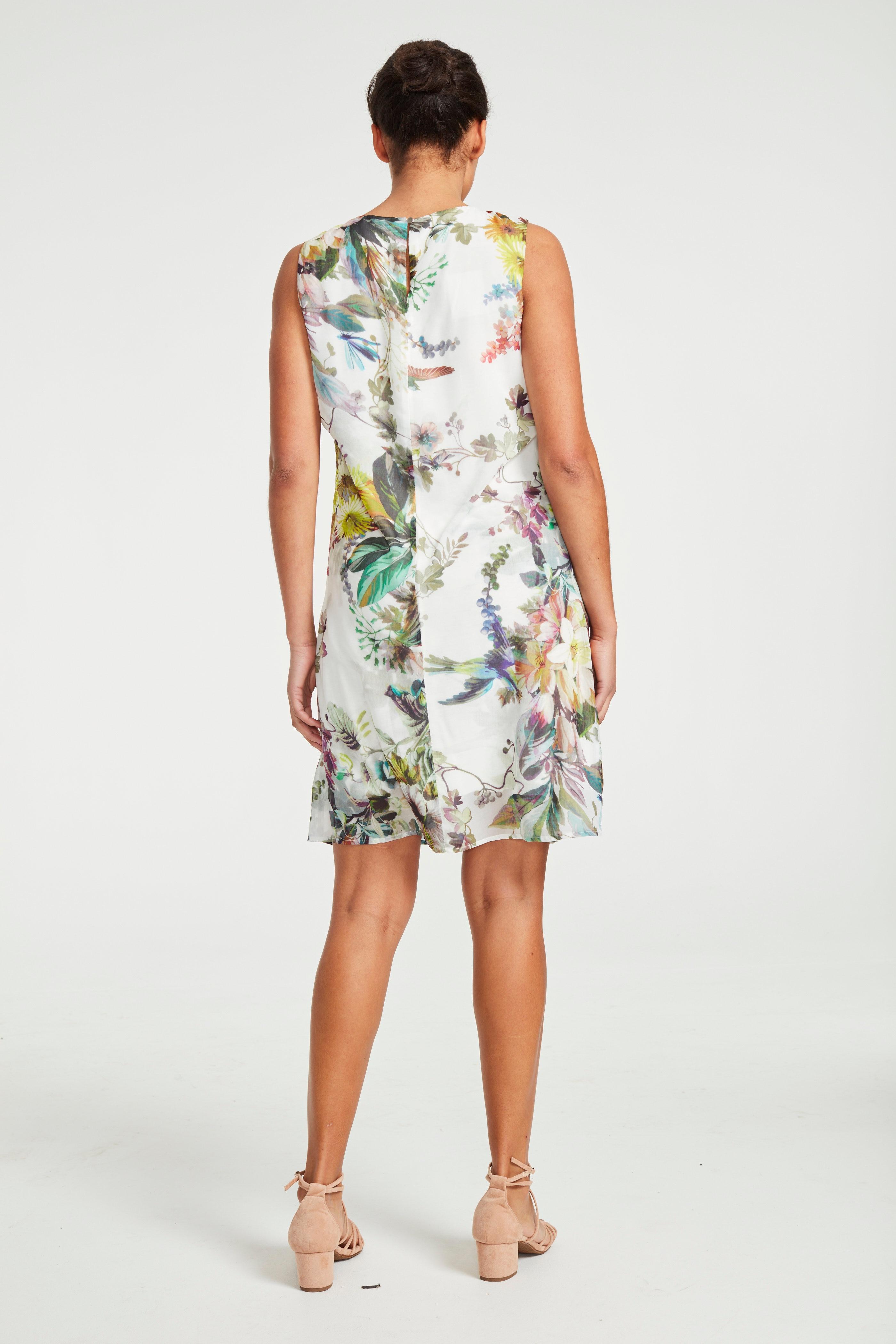 Kaunis lillemustriline pidulik kleit